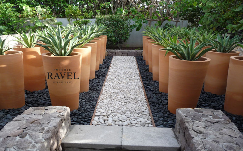 Poterie Ravel Jardin-Piscine | Design Contemporain