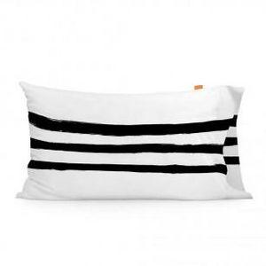 HAPPY FRIDAY - blanc et noir - Taie D'oreiller