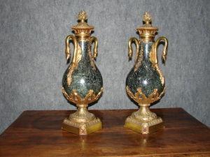 Antiquit�s Trouvailles -  - Paire De Cassolettes