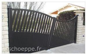 TSCHOEPPE - italic - Portail De Jardin