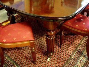 ANTICUARIUM - victorian - Table De Repas Ovale