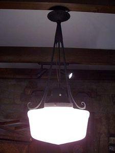 Le Grenier de Matignon - lustre opaline art-deco des annees 30 - Lustre