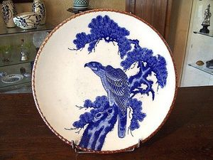 Le Grenier de Matignon - grande assiette du xixe siecle en porcelaine - Assiette Plate