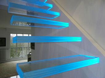 TRESCALINI - aero : escalier verre suspendu, marches lumineuses - Escalier Suspendu