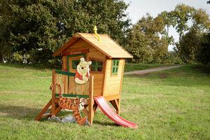 AXI - maisonnette winnie l'ourson sur pilotis en c�dre - Maison De Jardin Enfant