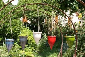 Les Poteries Clair de Terre - licorne - Jardini�re Suspendue
