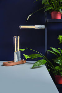 STUDIO YENCHENYAWEN - led torch lamp - Lampe � Poser � Led