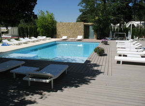 Timber Tech -  - Plage De Piscine