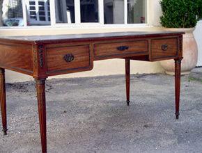 Antiquit� Rouilly -  - Bureau Plat