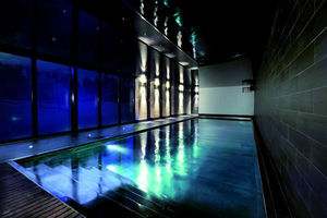 LPW Fiberglass Pools -  - Piscine D'int�rieur