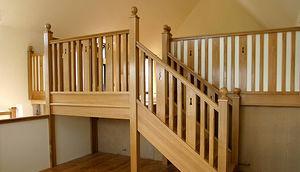 Touchwood - bradfield house - Escalier Droit