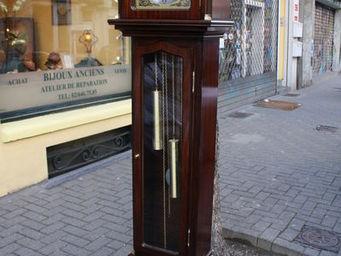 LONDON GALLERY -  - Horloge Sur Pied