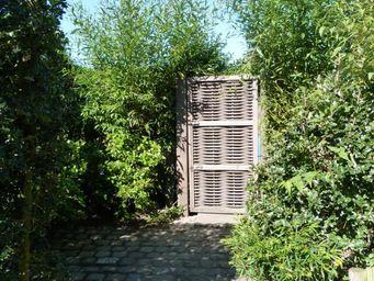 FOREST AVENUE & CO -  - Portillon