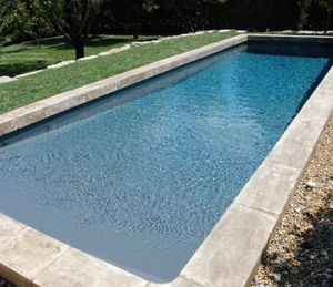 Piscine traditionnelle caron piscines decofinder for Prix d une piscine caron