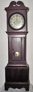 KIRTLAND H. CRUMP - pine and cherry chippendale dwarf clock, circa 179 - Horloge Sur Pied