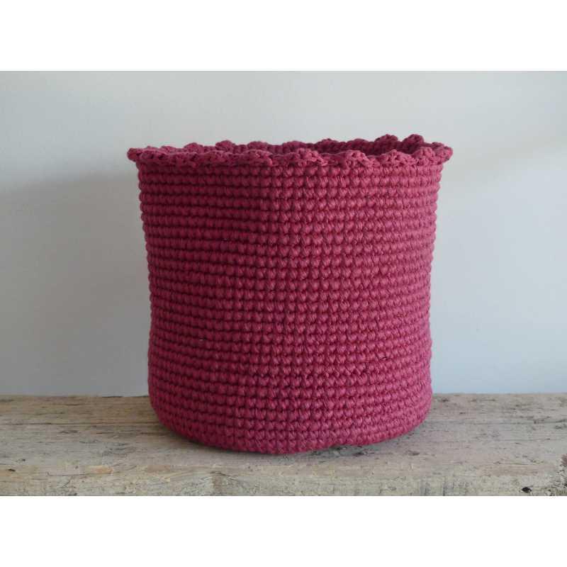 crochet panier de salle de bain chic intemporel. Black Bedroom Furniture Sets. Home Design Ideas