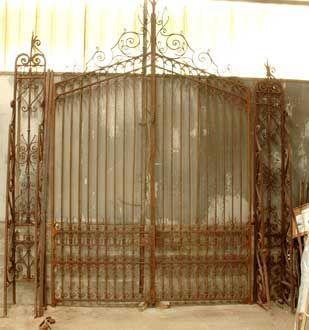 GALERIE MARC MAISON - Grille-GALERIE MARC MAISON-Wrought iron 19th century entrance gate