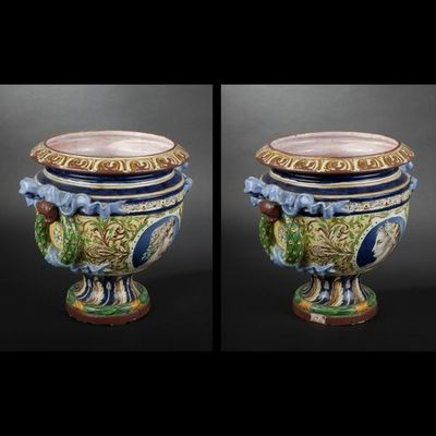 Expertissim - Vase Medicis-Expertissim-DANS LE GOUT d'ORLEANS. Grand vase rond sur piédo