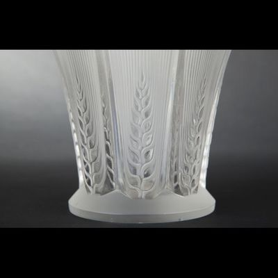 Expertissim - Vase à fleurs-Expertissim-René LALIQUE. Vase ?Épis?