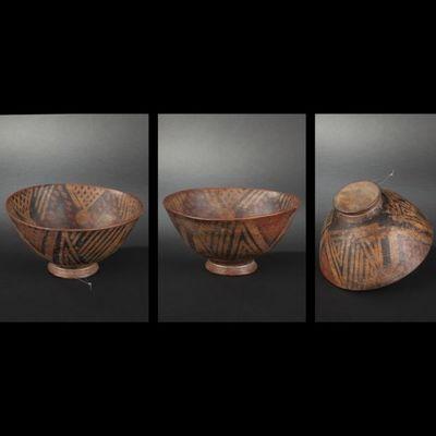 Expertissim - Objet d'art précolombien-Expertissim-Coupe sur pied  en terre cuite à décor en négatif