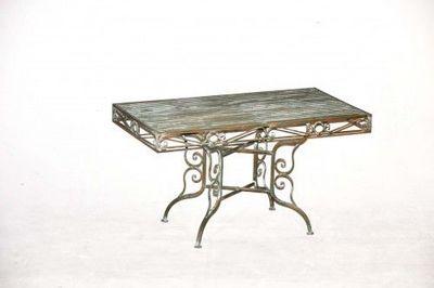 Demeure et Jardin - Table basse triangulaire-Demeure et Jardin-Table Basse en fer forgé vert de gris