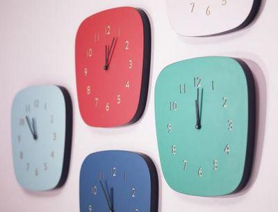 LES GAMBETTES - Horloge à poser-LES GAMBETTES