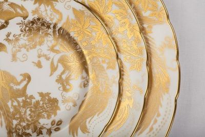 ROYAL CROWN DERBY - Assiette plate-ROYAL CROWN DERBY
