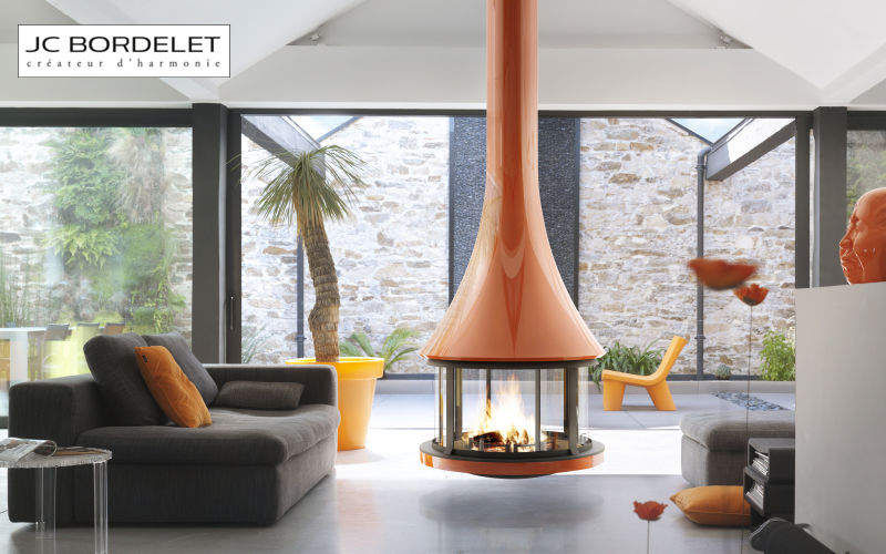 JC Bordelet Central fireplace Fireplaces Fireplace Living room-Bar   Design Contemporary