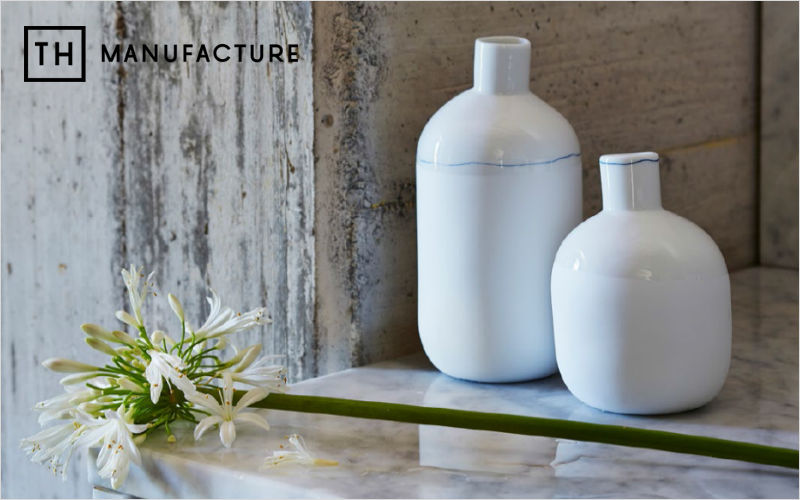 TH MANUFACTURE Stem vase Vases Flowers and Fragrances  |