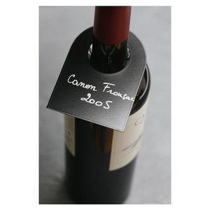 Polymonde Wine label