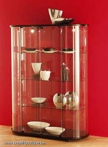 Creyel Decoration Central display cabinet