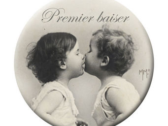 Mathilde M - badge grand modèle premier baiser - Badge Button