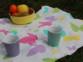 FLEUR DE SOLEIL - nappe enduite papillons pastel 160x160 - Coated Tablecloth