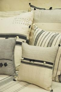 INJIRI -  - Square Cushion