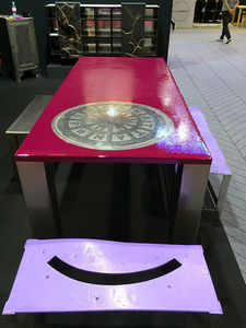 Vera Kunodi - framboise ecrasee - Desks & Tables