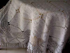 Maison du Lin et de la Dentelle (linge-ancien.com) -  - Quilted Blanket