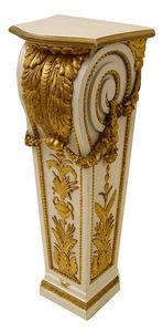 KUNST UND ANTIQUITATEN EHRL - gaine en bois sculpté et doré - Pedestal
