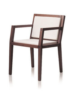 LdeO&CO - bridge prop - Bridge Chair