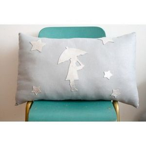 CREME ANGLAISE - crème anglaise - coussin l'enfant au parapluie - - Children's Pillow
