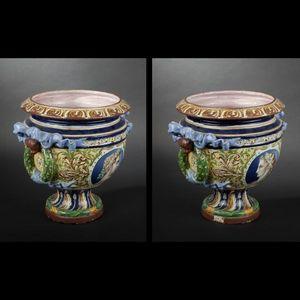Expertissim - dans le gout d'orleans. grand vase rond sur piédo - Medicis Vase