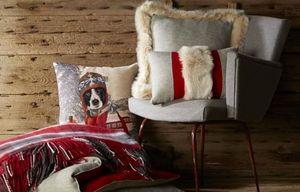 AUTREMENT DIT - eternel - Rectangular Cushion