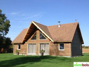MAISON VIBRE BOIS -  - House