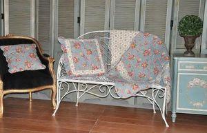 Demeure et Jardin - jeté de canapé en boutis bleu roses anglaises - Coverlet / Throw