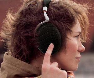 PARROT - zik3--- - A Pair Of Headphones