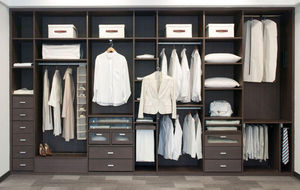 D FUSTA -  - Straight Walk In Closet