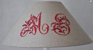 Abat-jour -  - Embroidered Lampshade