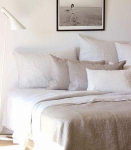 Maison De Vacances - lin métallisé moucharabia - Rectangular Cushion