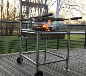 BARKS BARBECUE -  - Charcoal Barbecue