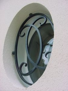 FERRONNERIE VAUZELLE -  - Bull's Eye Window