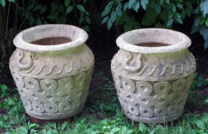 BARBARA ISRAEL GARDEN ANTIQUES - cotswold pots - Anduze Vase